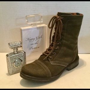 STEVE MADDEN MOTO BOOTIE GREEN Suede Distressed 9M